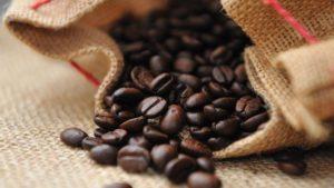 cara membuat dalgona coffee dan cokelat