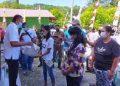 Bupati Tuasikal Abua Salurkan Bantuan Beras PPKM Empat Kelurahan