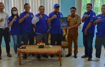 Pengurus DPC Partai Demokrat Serahkan SK PAW Jabatan Ketua DPRD Halmahera Utara