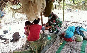 Satgas Yonif 611/Awang Long Beri Pelayanan Kesehatan Gratis Kepada Warga Papua