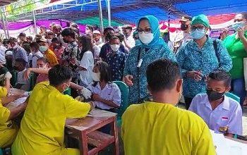 Ketua TP-PKK Maluku Tengah Minta Kader Sukseskan Vaksinasi